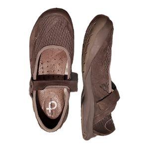 Salomon Slip On Hiking Leather Mary Jane Shoes
